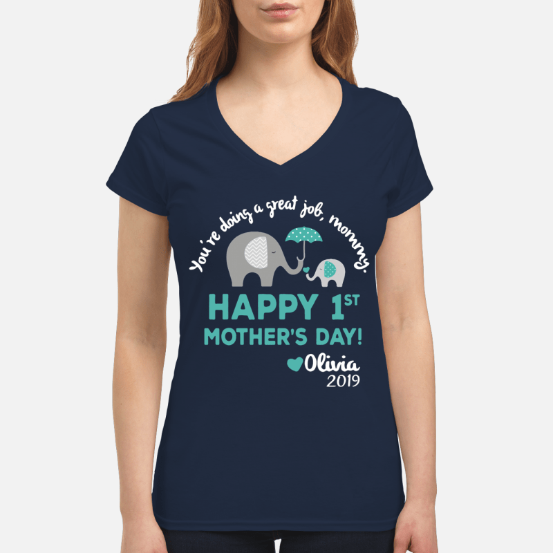 Elephants you're doing a great job mommy happy V-neck t-shirt